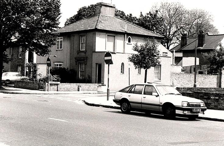 Green Road, N20