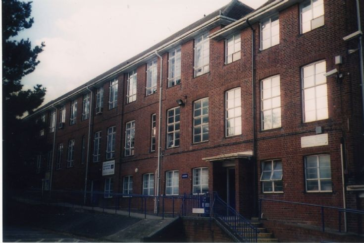 Barnet College, Russell Lane