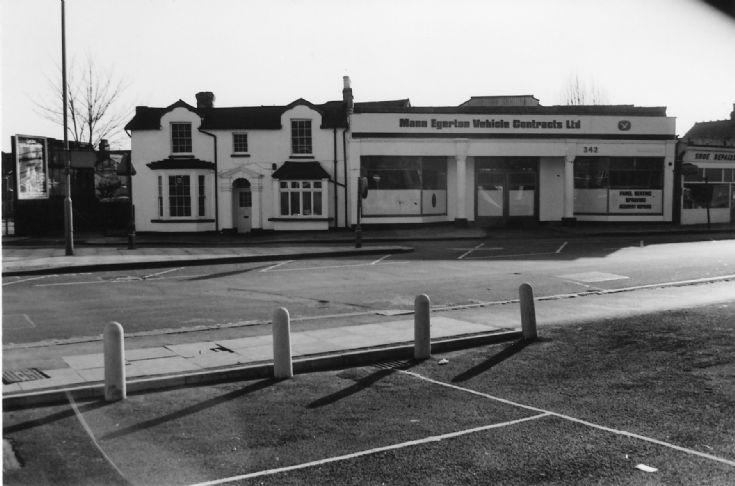 Ballards Lane, N12