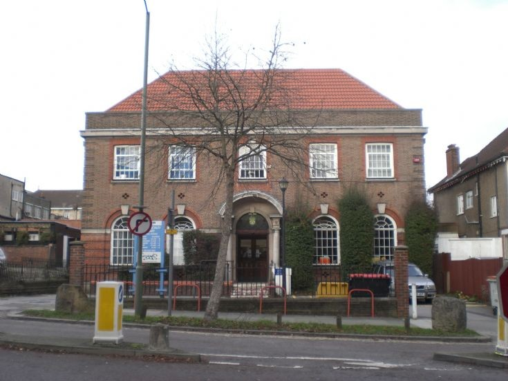 North Finchley Library, Ravensdale Avenue
