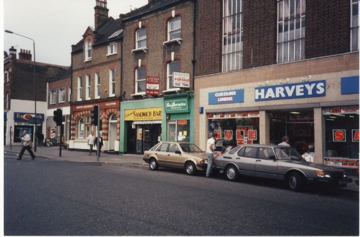 High Road, North Finchley