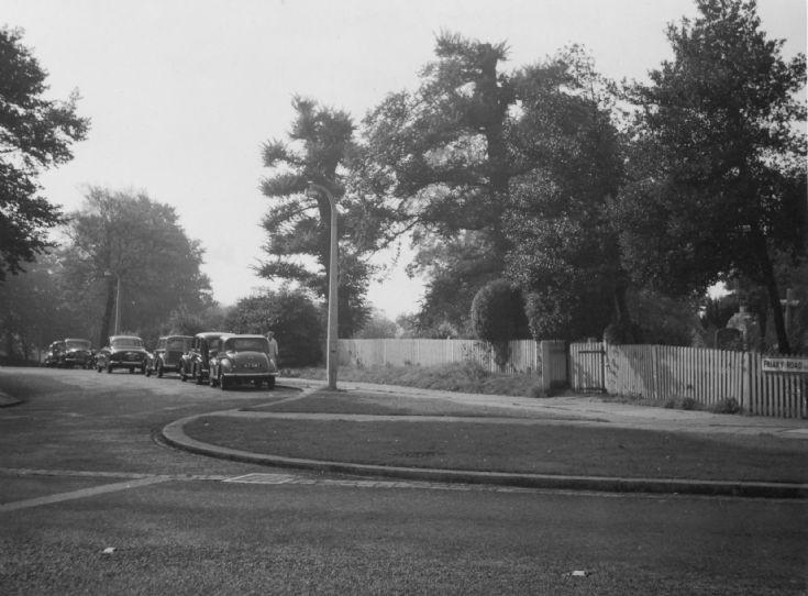 Friary Road, N20