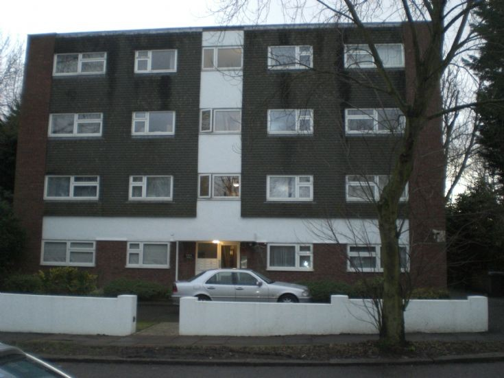 Friern Barnet Lane, N20