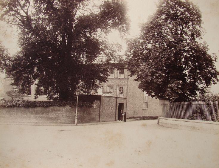 Halliwick Manor