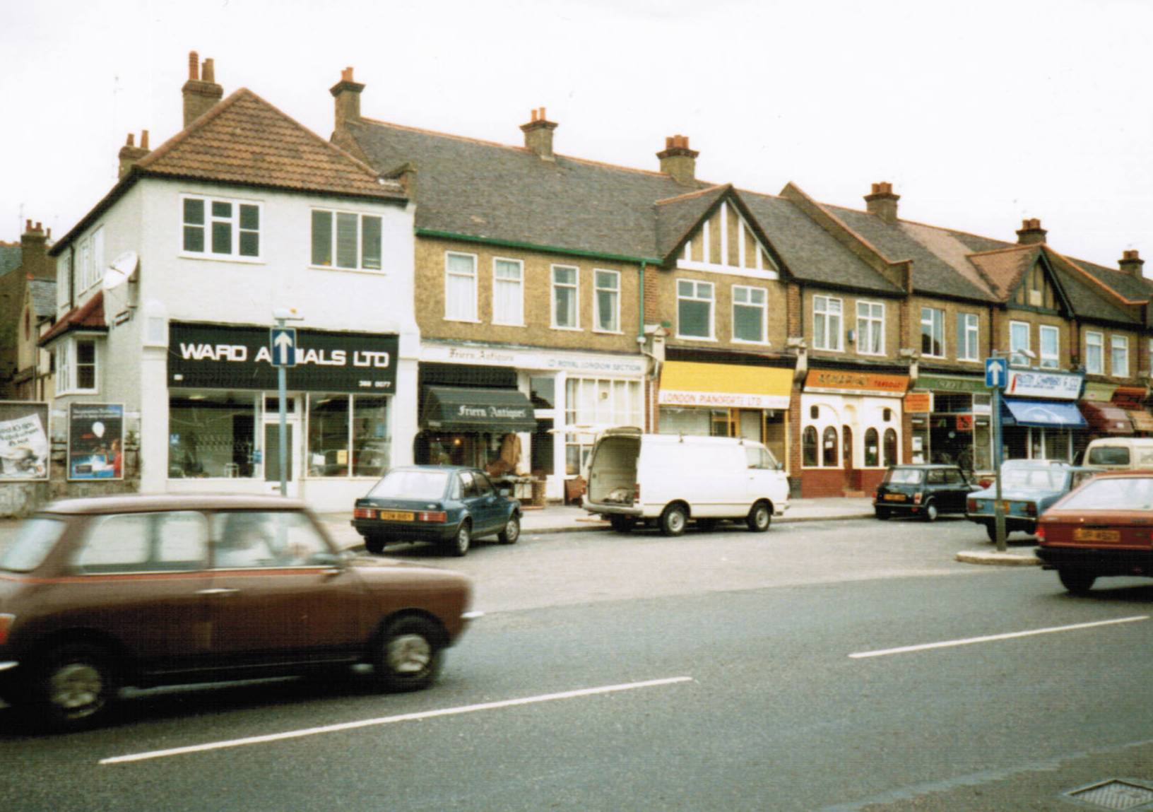 Woodhouse Road, N12