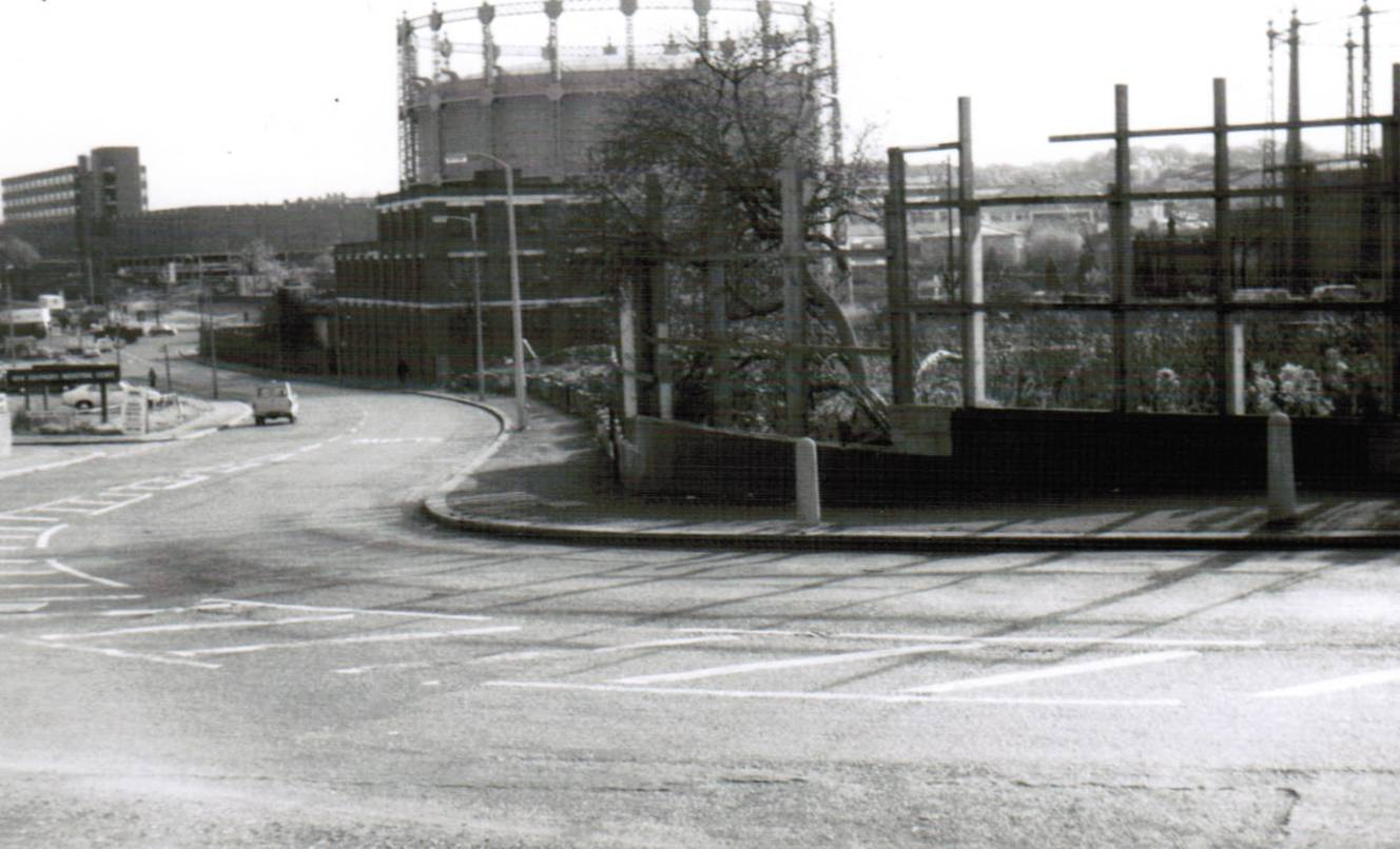 High Road, New Southgate N11