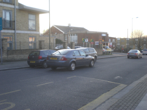 Oakleigh Road South, N11