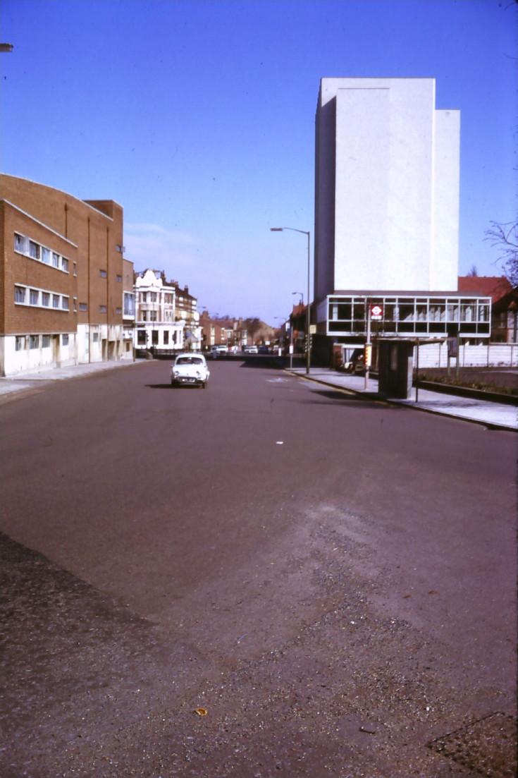 Kingsway, N12