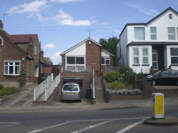 Colney Hatch Lane, Museell Hill N10