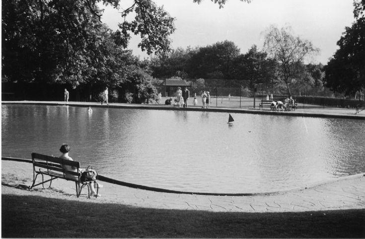 Friary Park. Boating lake