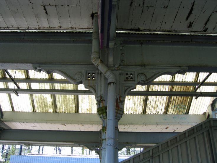 New Southgate Station