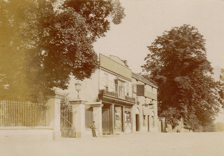 The Orange Tree, 1 Friern Barnet Lane, N11