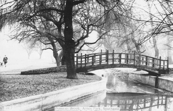 Pymmes Brook in Arnos Park