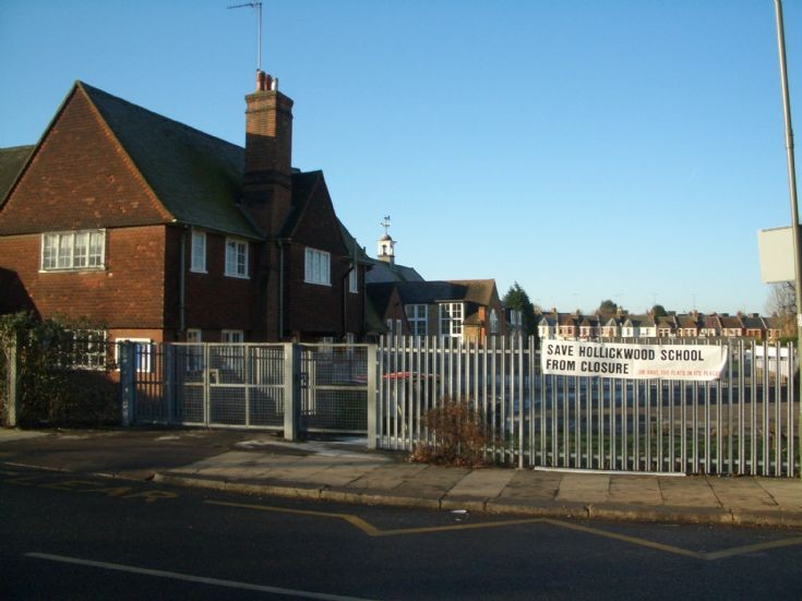 Hollickwood School