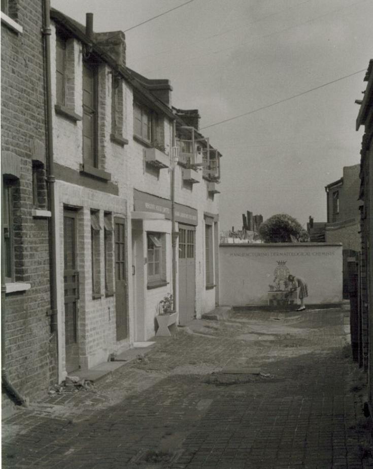 Beaconsfield Close, N11
