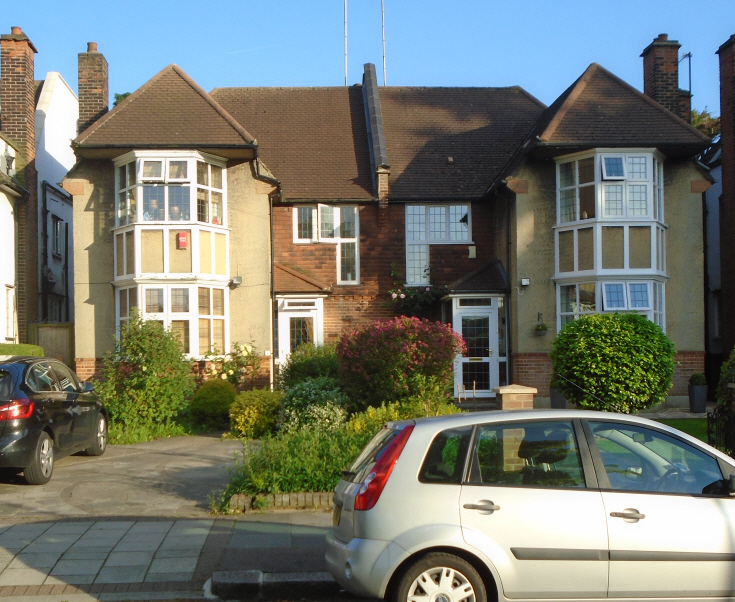 The Crescent, N11