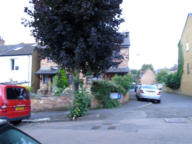 Pembroke Road, N10